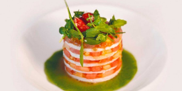 TIMBALE OF TOMATO AND MAXORATA CHEESE